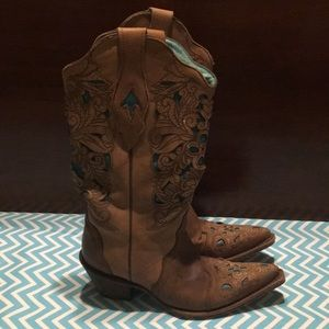 Corral boots size 7 m